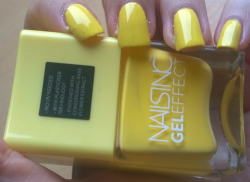 Nails Inc - Seven Dials. The dark horse of the box, I'm not a huge fan of yellow nail polish but I liked the look of this in the bottle and on the nails it's stunning. I was also surprised to get this kind of finish in only 2 coats, I expected it to need at least 3